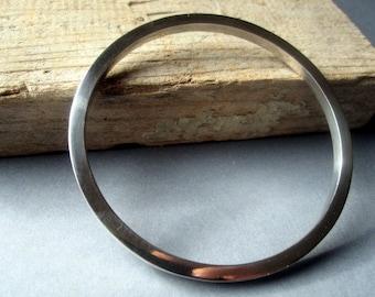 Elegant Silver Bracelet.