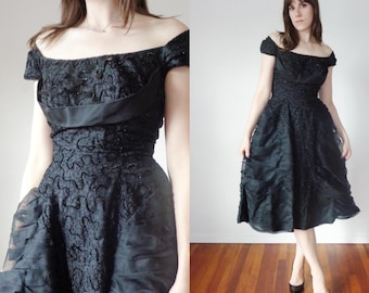 Vtg 50s Black DRAMA Dress with SEQUINS, Sparkle & ORGANZA Pleats, Small