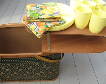 Vintage Picnic Basket with Pie Stand, Plates Cups Romantic Picnic Wooden Sewing Basket Storage