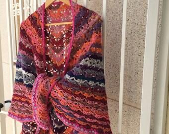Art by Bertie - Crochet shawl - Spanish look - Red, pink, orange