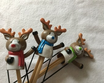 Reindeer double pointed needle holder