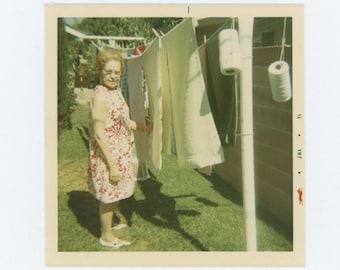 Vintage Snapshot Photo: Eva, 1971 (69498)