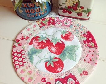 sweet vintage strawberry patchwork doily no.2