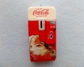 Coca- Cola Old Fashioned Miniature VENDING MACHINE  with Santa Claus ~ Coca- Cola Bottles ~ Coca- Cola Ornament