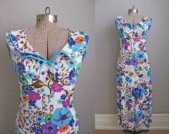 1960s Vintage Nightgown Multicolor Floral Print Ruffle Neck Long / Small