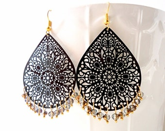 Black earrings, teardrop earrings, long earrings, trends 2018,  lace earrings, crystal earrings, winter trends 2016, gold earrings