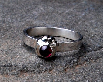 Silver Paw Print Ring With Garnet Gemstone- Garnet Ring- Garnet Jewelry- Dog Lover Jewelry- Garnet Ring- Animal Ring- Gemstone Ring