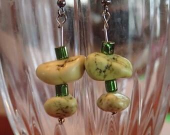 Green turqoise beaded earrings