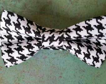 Houndstooth bow tie