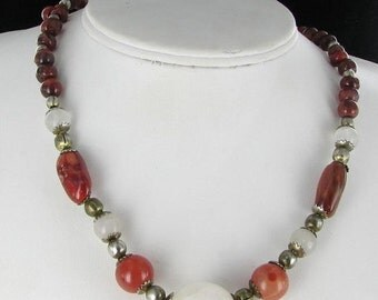 ON SALE Agate and Glass Tan Cream Silver Tone Beaded Vintage Choker Necklace