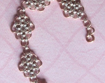 Chainmaille bracelet, Japenese 12 and 2 flower bracelet