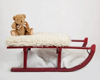 Digital backdrop for Christmas Shoots.. Red sledge with teddy