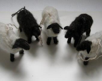 Sheep Ornaments, Set of 5 Hand Felted Wool Sheep Ornaments, Lamb Ornament Set, Wreath Decoration, Farm Animal Themed Decorations, wool sheep