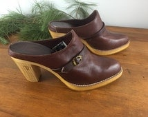 Vintage FRYE Burgundy Leather Clogs Slip on Ankle Boots Size 8B Wood and Leather Mules