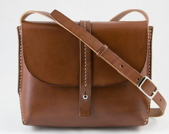 Leather Crossbody Bag, Simple, Clean Lines in Brown, Hand Stitched Veg Tan Leather Cross Body Bag with Adjustable Strap