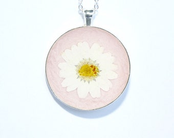 White Daisy Necklace Pressed Flower Necklace Pressed Real Daisy Necklace White Flower Necklace Daisy Jewellery Necklace Round Necklace