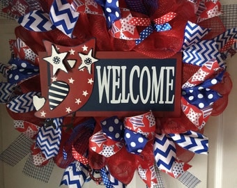 SALE...WAS 85.00/NOW 75.00...Welcome Owl Deco Mesh Wreath...Patriotic Wreath..Stars and Stripes