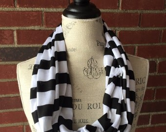 SALE-READY2SHIP- black and white stripe infinity scarf, Fall scarf, circle scarf, teacher gift, lop scarf