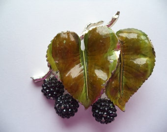 Vintage Signed Exquisite Brambles Brooch/Pin