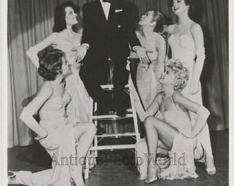 Frank Sinatra singing Barbara Nichols actresses in Pal Joye vintage photo