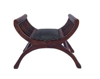 Curvy Cushioned YuYu Chair