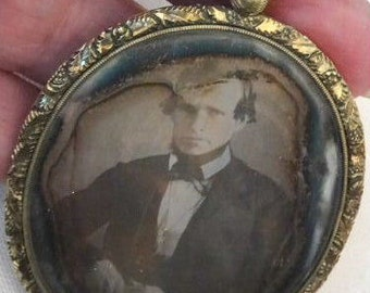 Pendant Mourning Jewelry w/Hair and Daguerrotype Antique Necklace Locket