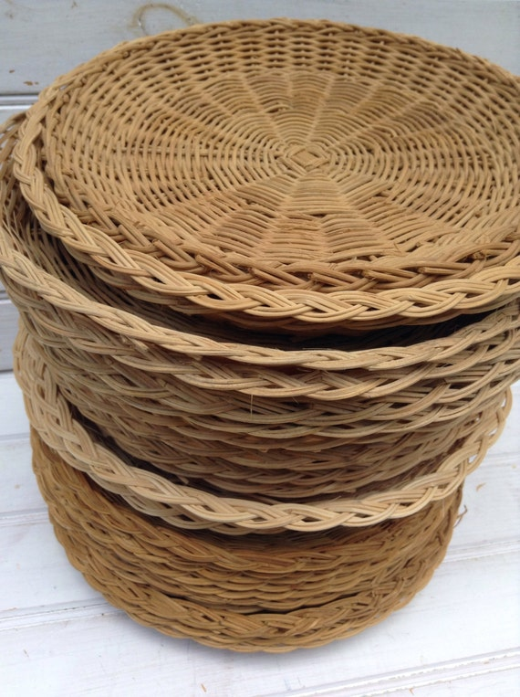 wicker plate holders woven wicker paper plate holders. Black Bedroom Furniture Sets. Home Design Ideas
