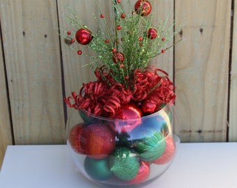 Christmas Table Decor Centerpiece Red and Green for Holiday Home - Classic Xmas Decorations - Christmas Wedding - Corporate Party