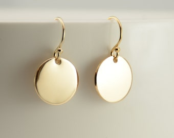 Tiny gold disc earrings. Tiny gold filled disc earrings. Simple earrings. Dainty earrings
