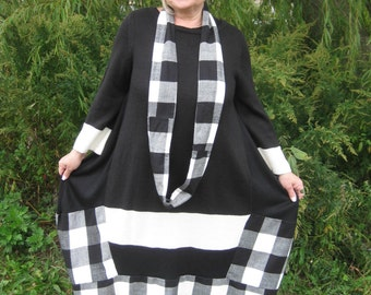 Lagenlook Upcycled reconstructed black/white balloon dress