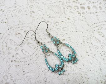 Vintage Aqua RHINESTONE Earrings - silver tone metal - Pierced dangles - Aqua Blue - Something blue bridal - Art deco bridal - bridesmaid