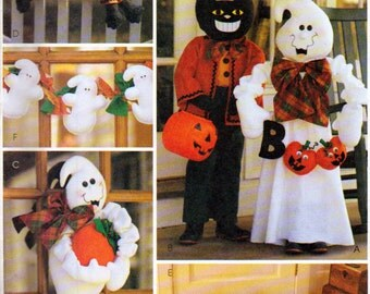 Halloween Front POrch or Yard Decorations, Porch Greeter Ghost and Black cat, Feet Draft Dodger, Wall Hanging , McCalls 2898