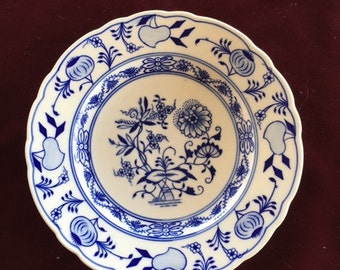 Blue Onion Bread Plate