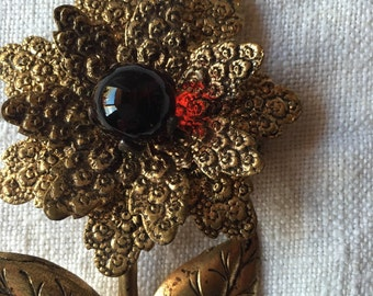40's Golden-glass flower pin
