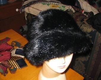 Vtg glam girl  Plush Faux Fur Dark Mink cloche bucket hat md in England for Carson Pirie  Scott one sz free ship