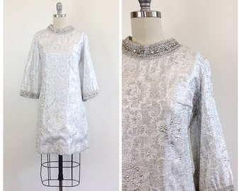 60s Silver Metallic Flora Lame Mini Dress / 1960s Mod Space Age Beaded Party Dress With Bell Sleeves / Medium / Size 8
