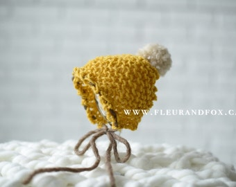 Newborn knitted pom Pom hat