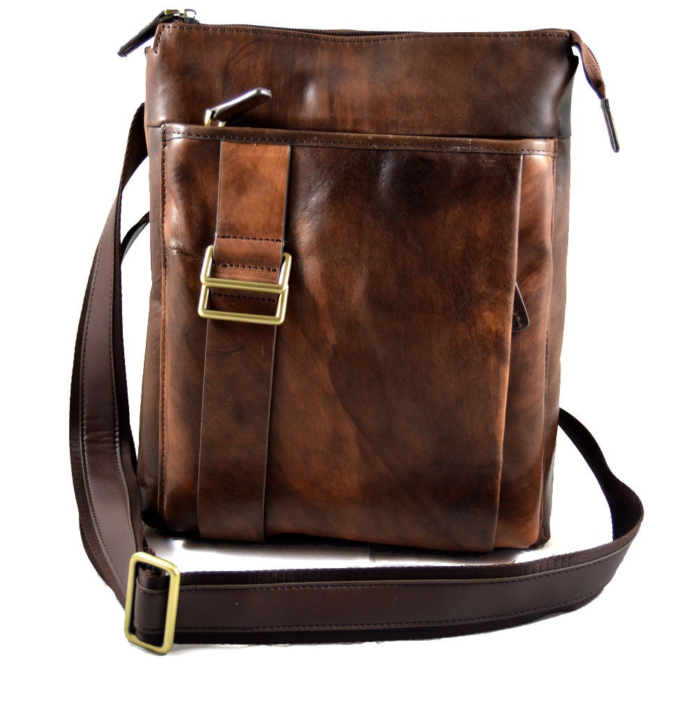 Excellent The Bags Are Available In Brown, Black, Red, White And Natural And Come With Waterproof Polyester Fabric Lining, Large Compartments And Many Pockets Perfect For The Man About Town, A UHK Chamois Lea
