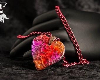 Eggshell Heart Pendant in Fuschia and Orange Tones DDB15109