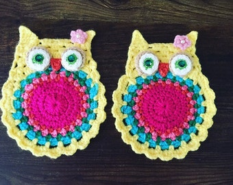 Crochet owl coaster, living room decor, kitchen decor, yellow, rhinesrones