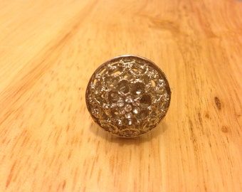 vintage style button ring
