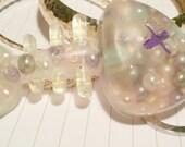Keyrings resin, fishbone full of pearls