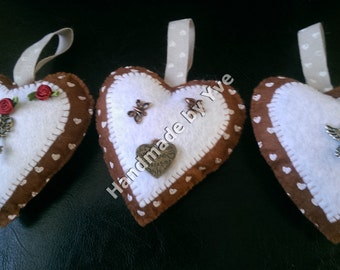 Felt Hanging Hearts (brown)