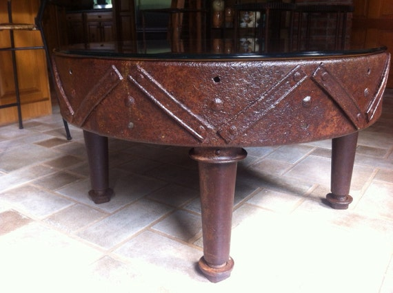 Industrial coffee table industrial metal table round for Industrial farmhouse coffee table