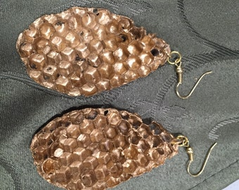 Gold honeycomb earrings