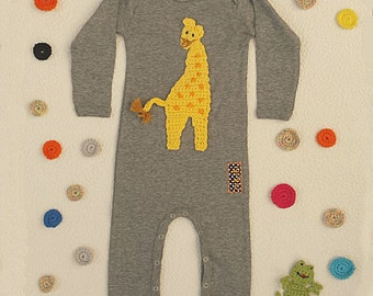 Baby rompers in grey cotton customized with giraffe embroidery - feetless