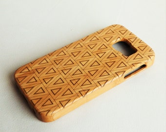 WOODEN PHONE CASE Samsung triangles design laser etched bamboo (wooden Samsung S5 case)