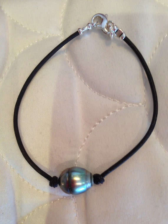 Men S Tahitian Pearl And Leather Bracelet