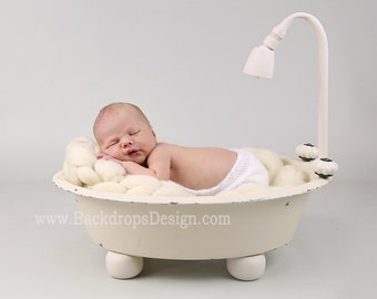 REAL not digital / Bathtub prop Newborn /toddlers/kids/children  baby photography newborn vintage prop bath tub newborn