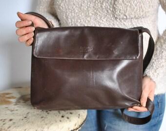 Vintage DUDRA EAST leather handbag, messenger leather bag....(371)